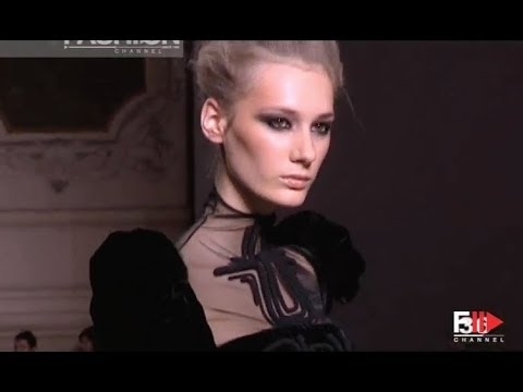 STEPHANE ROLLAND Fall 2009/2010 Haute Couture Paris - Fashion Channel