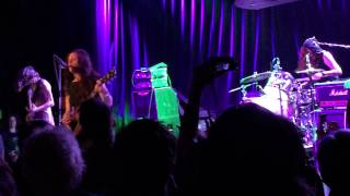"Babes In Toyland live at The Roxy 2.12.15 ""Jungle Train"" and Tom Morello intro"