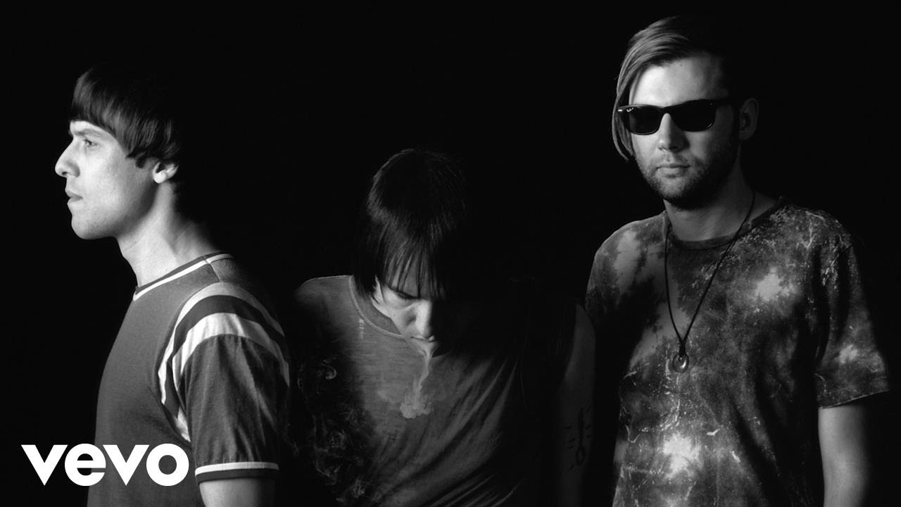 The Cribs - In Your Palace (Official Video) - The Cribs - In Your Palace (Official Video)