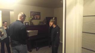 Soldier returns home from Afghanistan and suprises mom