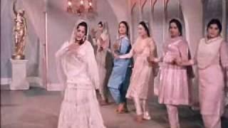 Mere Mehboob(1963)-Jaaneman Ek Nazar Dekh Le (Lata Mangeshkar, Asha Bhonsle)