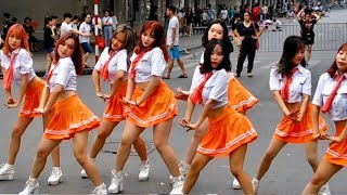 Vietnamese girls like music pop