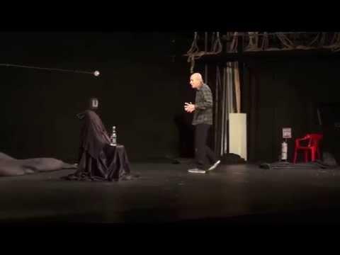 T de Teatro presenta Villanos de Shakespeare. Actua Jairo Camargo.