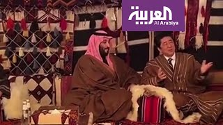 محمد بن سلمان يلتقي رئيس الوزراء الياباني في خيمة بالعلا