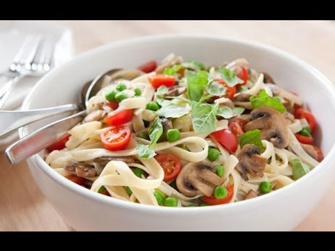 C mo hacer pasta primavera youtube for Cocinar noodles