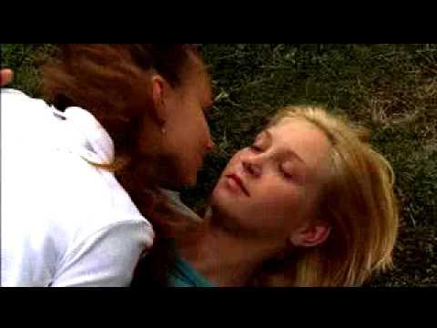maren kissing nackt
