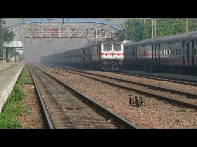 Back to Back Crushing Overtakes : Kalka Mail + Seemanchal Express overtakes Sikkim Mahananda Express