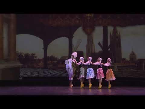 «Танец в сабо»   Исполняют   Николай Цискаридзе и артистки балета Михайловского театра
