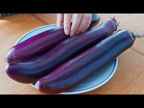 Eggplant is fried in oil, teach you to make rich eggplants, and grab the light on the table.