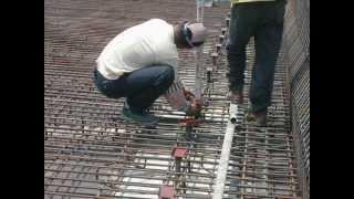 콘크리트 데크휘니샤 레일지지대설치작업 Concrete …
