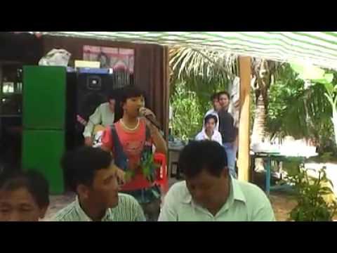 Bé Huỳnh Như hát tân cổ rất hay
