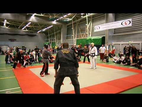 IKKA WORLD KARATE CHAMPIONSHIPS - PASCAL WOLLWERT (KARATE/TAEKWONDO) VS UNKNOWN FIGHT 1 Part 1