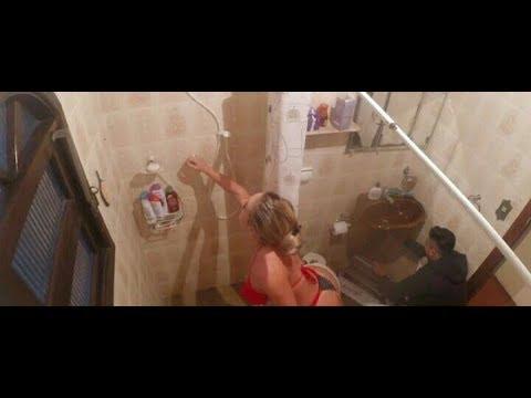 NGINTIP CEWEK MANDI– malah KETAHUAN SUAMI!!! thumbnail