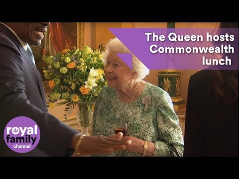 Queen hosts lunch for Commonwealth leaders at Buckingham Palace