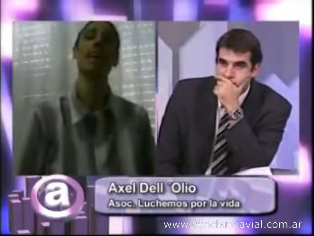 2010 - Canal 3 Rosario - Axel Dell' Olio sobre problemática de tránsito y no uso de casco