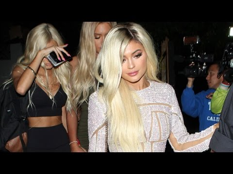 Kylie Jenner Goes Blonde For Wild 18th Birthday Party ...