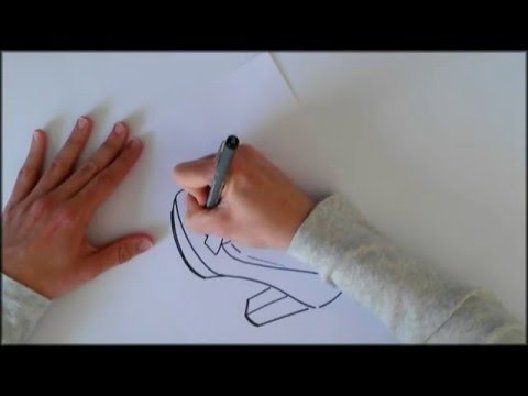 dibujo-a-mano-alzada-de-un-mocasin