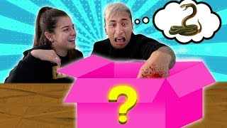 ¿ QUE HAY EN LA CAJA ? - Yao Cabrera ft Candela Diaz , Sasha Ferro