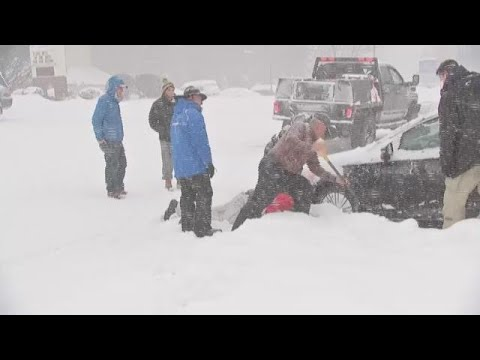 RAW: Jim Cantore rescues stranded motorist in Boone, N.C.