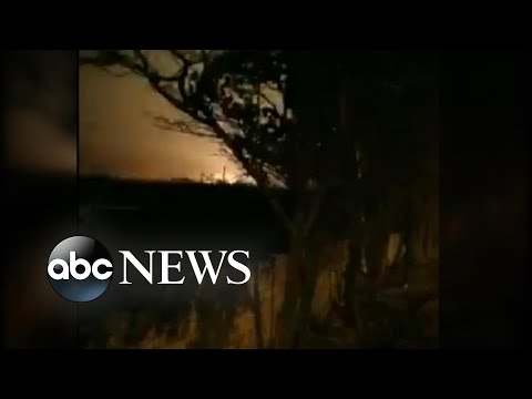 Video shows moment missile apparently strikes passenger jet l ABC News