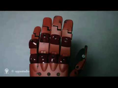 Replica wearable Bionic Arm from MGSV TPP