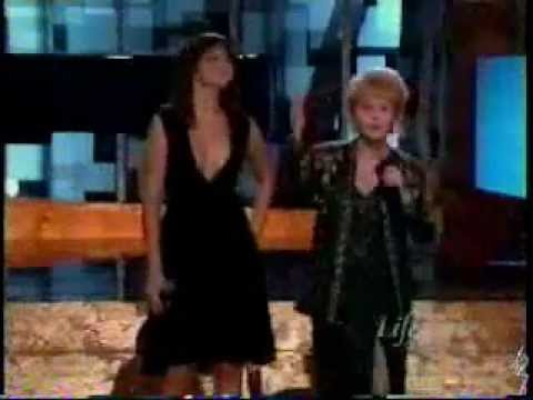 Mandy Moore & Debbie Reynolds - Good Morning (Live @ Women Rock)