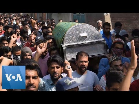 Kashmir Clashes Continue Following Teenager Death