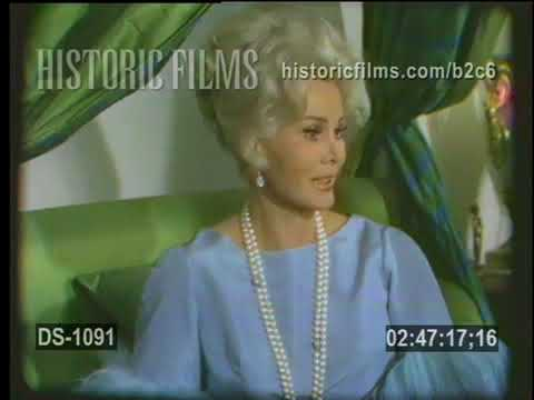 1967 ZSA ZSA GABOR BEDROOM INTERVIEW  HYSTERICAL!