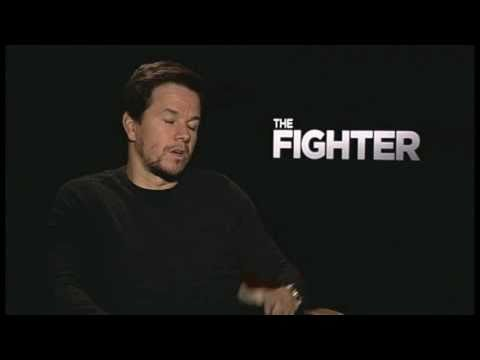 Mark Wahlberg gives reporter work out tips - THE FIGHTER interview!