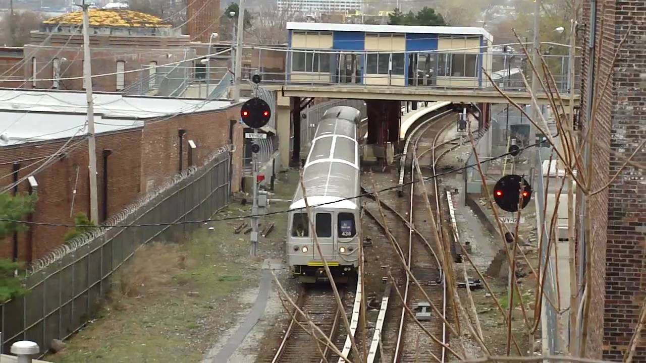 MTA Staten Island Railway : St. George Bound Train Of R44