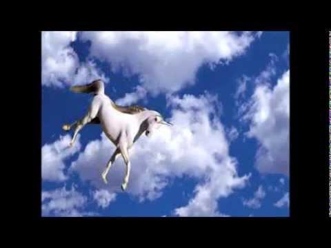 licorne volante qui fait des crottes arc en ciel youtube. Black Bedroom Furniture Sets. Home Design Ideas