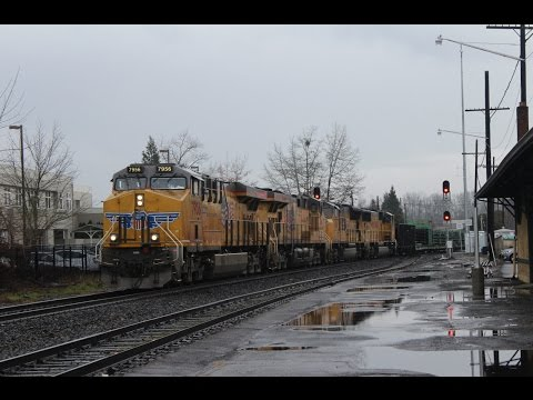 Busy Afternoon & Evening Railfanning Eugene, OR 2-3-17 - Ribbon Rail Train, Ballast Train!