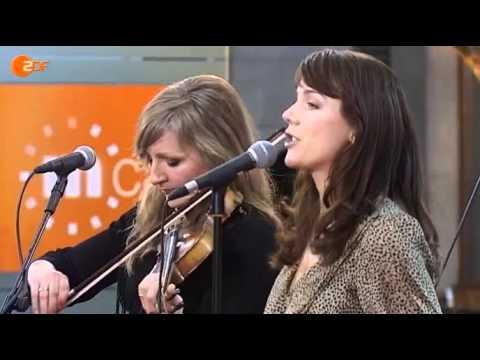 Anna Depenbusch & Band (mit Anne de Wolff) -- Glücklich in Berlin