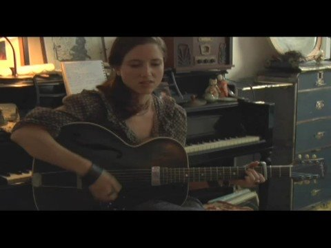 MOGtv: Live: Jolie Holland Sings a Brand New Song