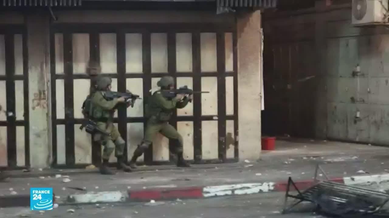 مواجهات بين شبان فلسطينيين وقوات إسرائيلية وقائمة الضحايا الفلسطينيين في ارتفاع مستمر  - نشر قبل 2 ساعة