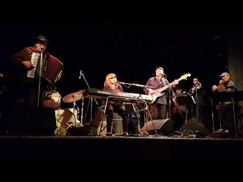 """Professor Louie and the Crowmatix - """"Twilight """" by The Band Mp3"""