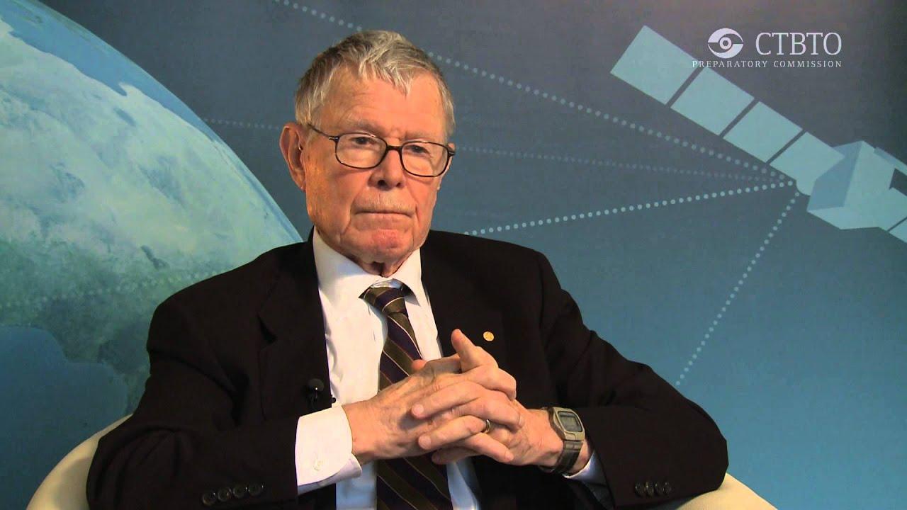 Image result for Nobel laureate economist Thomas Schelling