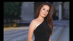 Holly Marie Combs family