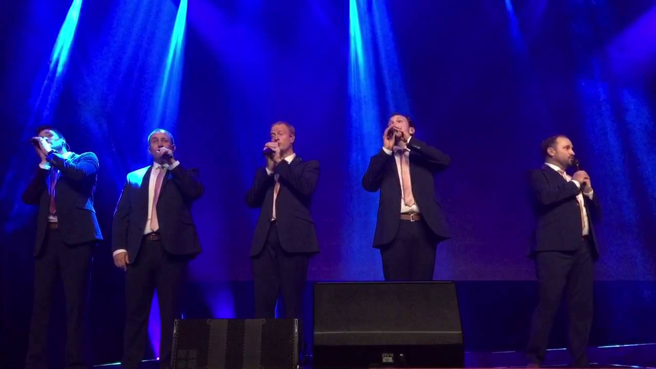 Straight No Chaser - The 12 Days of Christmas - YouTube