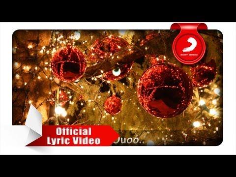 Mikha Angelo - The First Noel ( Video Lyrics)