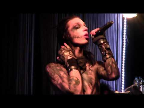 Black Veil Brides - Perfect Weapon  LIVE  [ Tunnel Milano 20.1011 ]