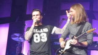 Adam Levine introducing the band (pt2) 3-9-15 at WFC, Philly, PA