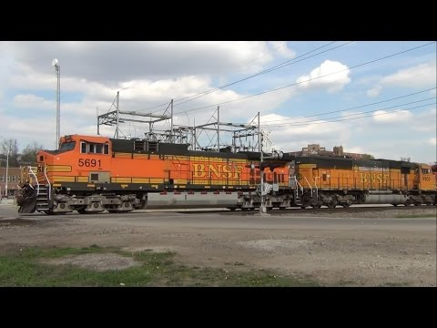 BNSF Coal and Ethanol Trains Meet in Ottumwa, IA 4/17/15