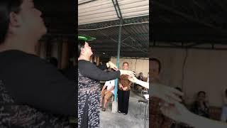Tạ Mong Manh Rót Rượu Dâng Lên Cúng 5 Bà Ngũ Hành!
