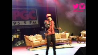 august alsina performing let me hit that live fso