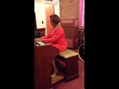 Organ And Heels Buzztmz