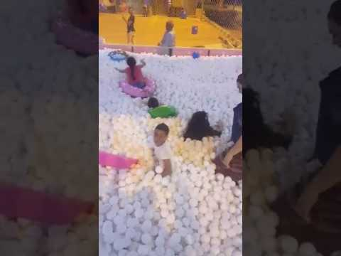 Egypt  Sharm el Sheikh  Hollywood  Snow balls