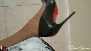 TS-Walk-057M  ( Crossdresser )