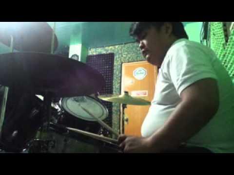 Multiple Drum Cover (feeling drummer e) FAIL!