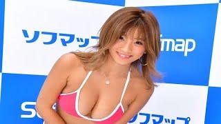 グラビアアイドルの葉月あやが9日、東京・秋葉原のソフマップで最新イメ...
